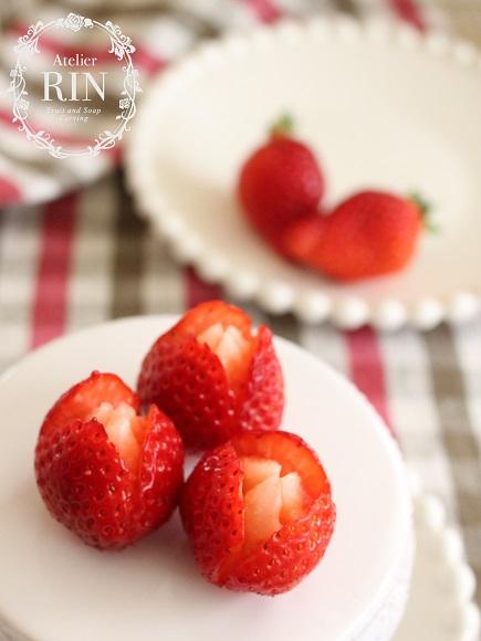 イチゴのフルーツカービング