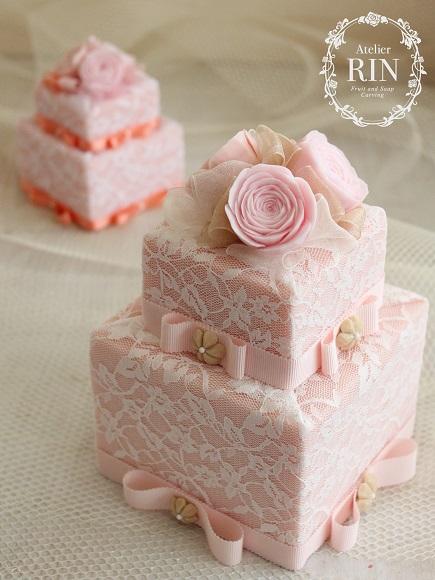ソープカービングアレンジ ピンクのケーキ